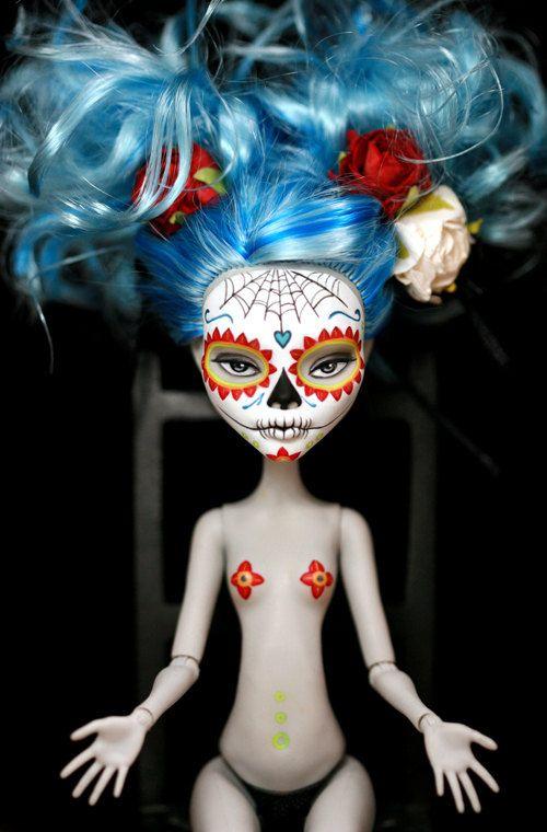 Dia de los Muertos Calavera Monster High postcard No. 2. $1.25, via Etsy.
