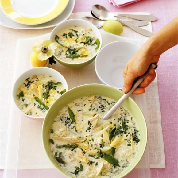 Rezept: Griechische Hühnersuppe mit Spargel und Zitrone