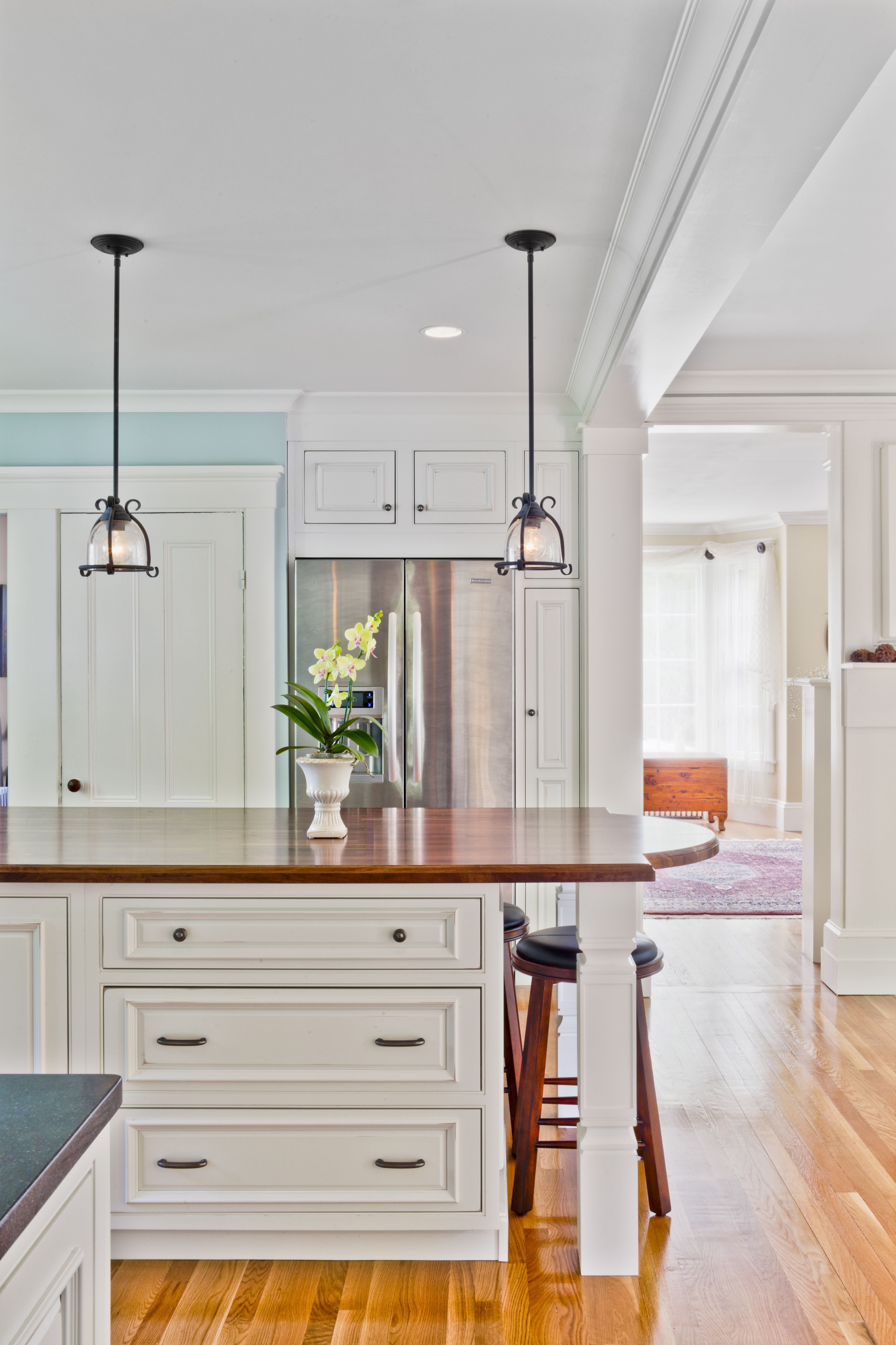 Shiloh Cabinets Oxford Door Polar White Beaded Inset Project