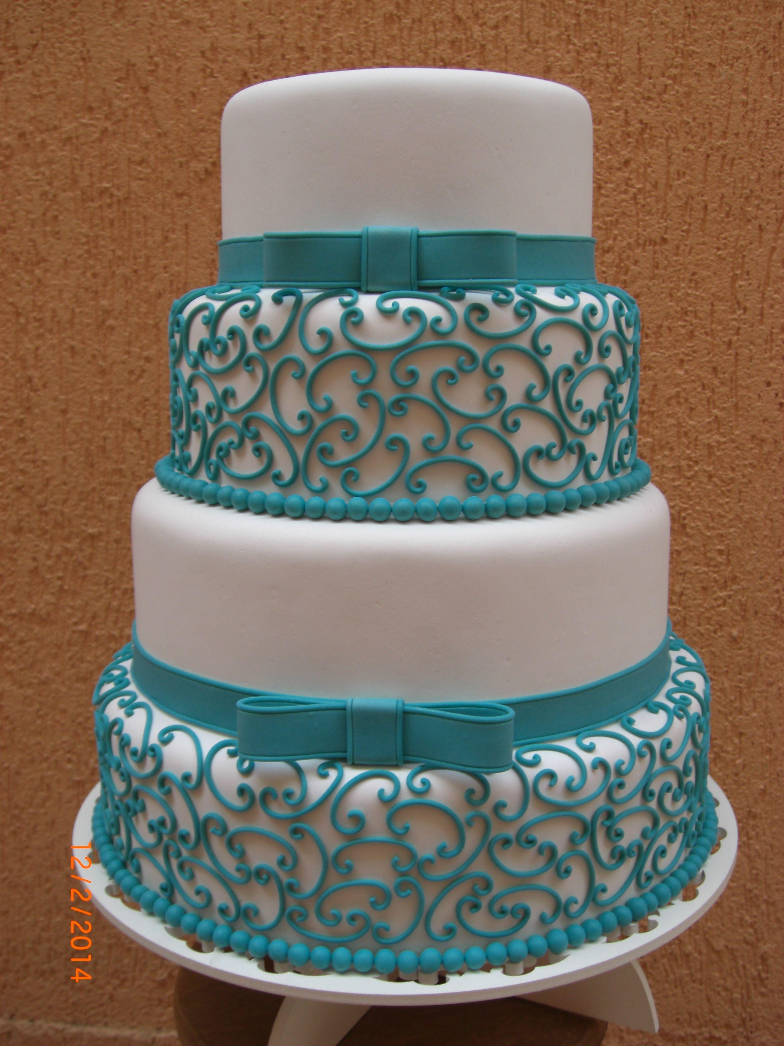bolo de debutantes azul turquesa e dourado - Pesquisa Google | Jesse ...