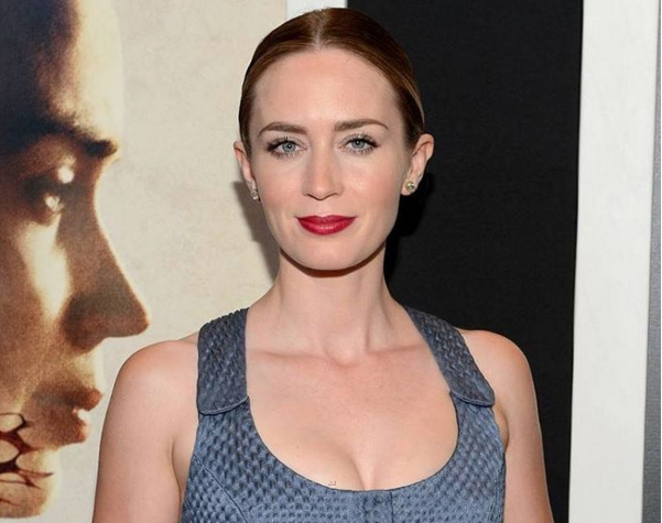 Mary Poppins Sequel: Is Emily Blunt the New Magic Nanny? - http://www.morningledger.com/mary-poppins-sequel-is-emily-blunt-the-new-magic-nanny/1358737/