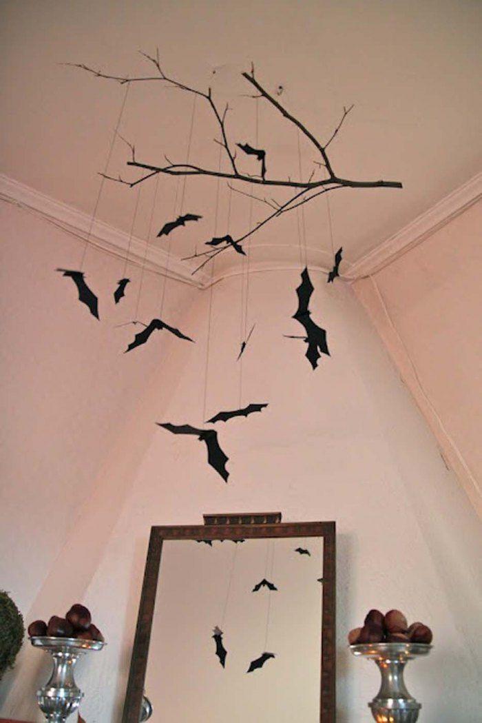 Les chauves-souris ont pris leurs quartiers dans la salle à manger - halloween diy decoration