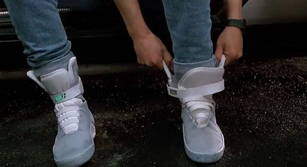 favorit diamant Tonåren  Back To The Future II technology that came true | Nike air mag ...