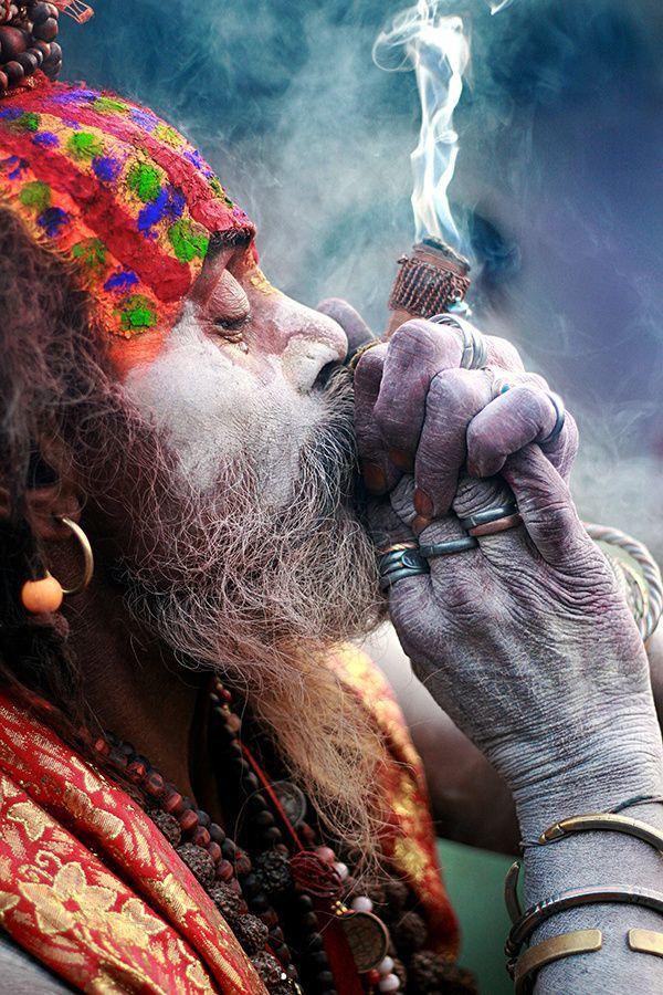 Chillum Sadhu India Https Www Dharmikshakti In Panditji Aghori Shiva Rudra Shiva Shiva Hindu