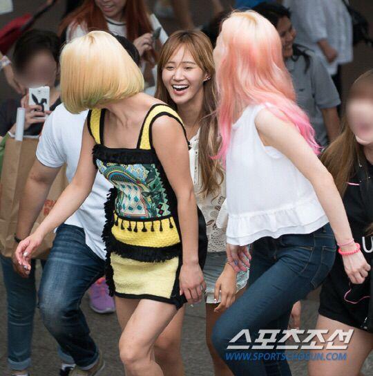 Snsd hyoyeon yuri and taeyeon fashion style