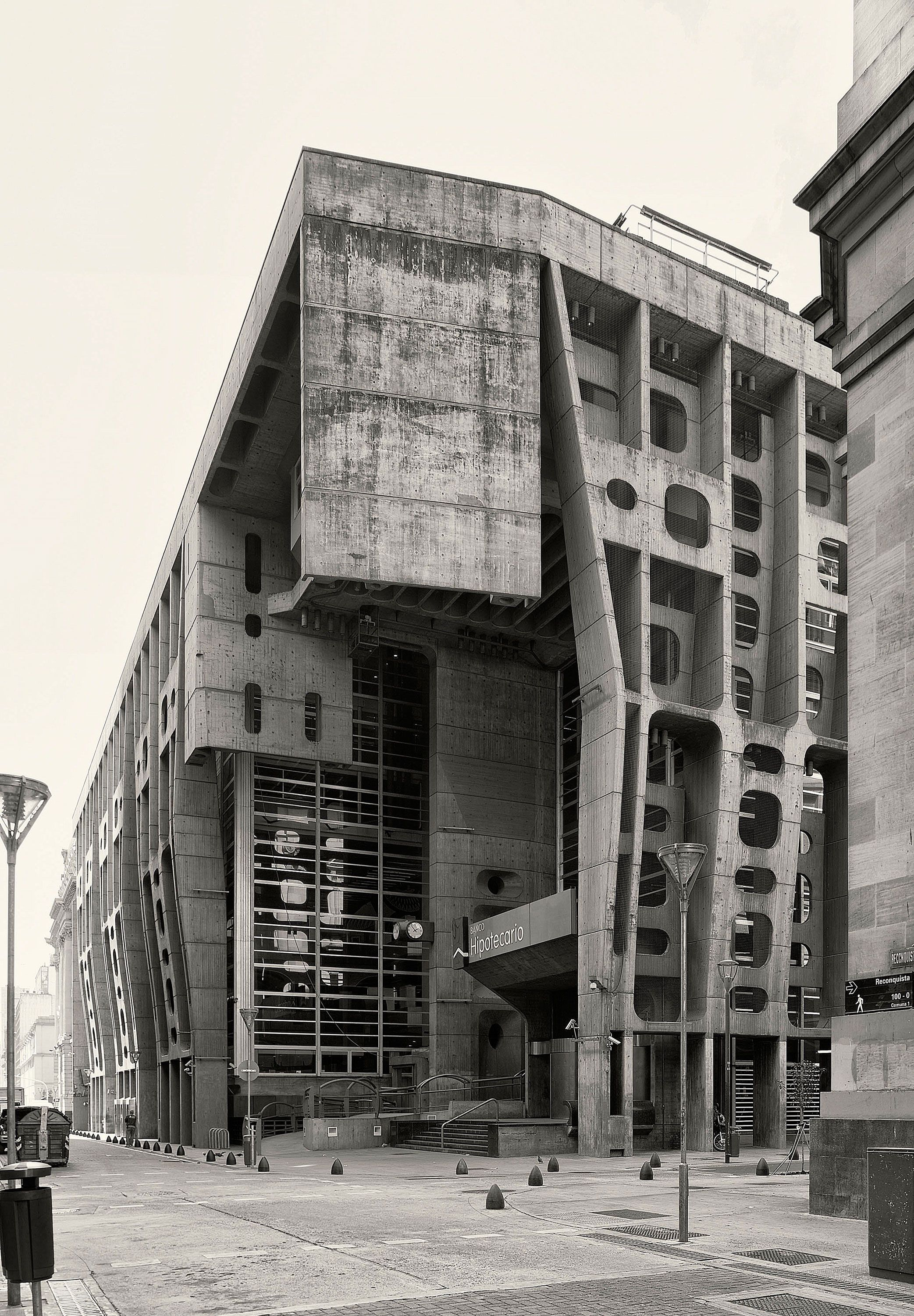 The Bank of London and South America - (c) Cemal Emden   maestri ...