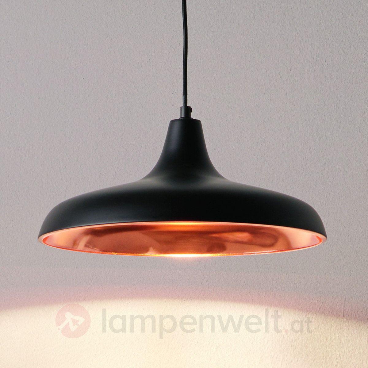 edles schwarz trifft auf behaglichen kupferton perfekt f r sch nstes licht am k chentisch. Black Bedroom Furniture Sets. Home Design Ideas