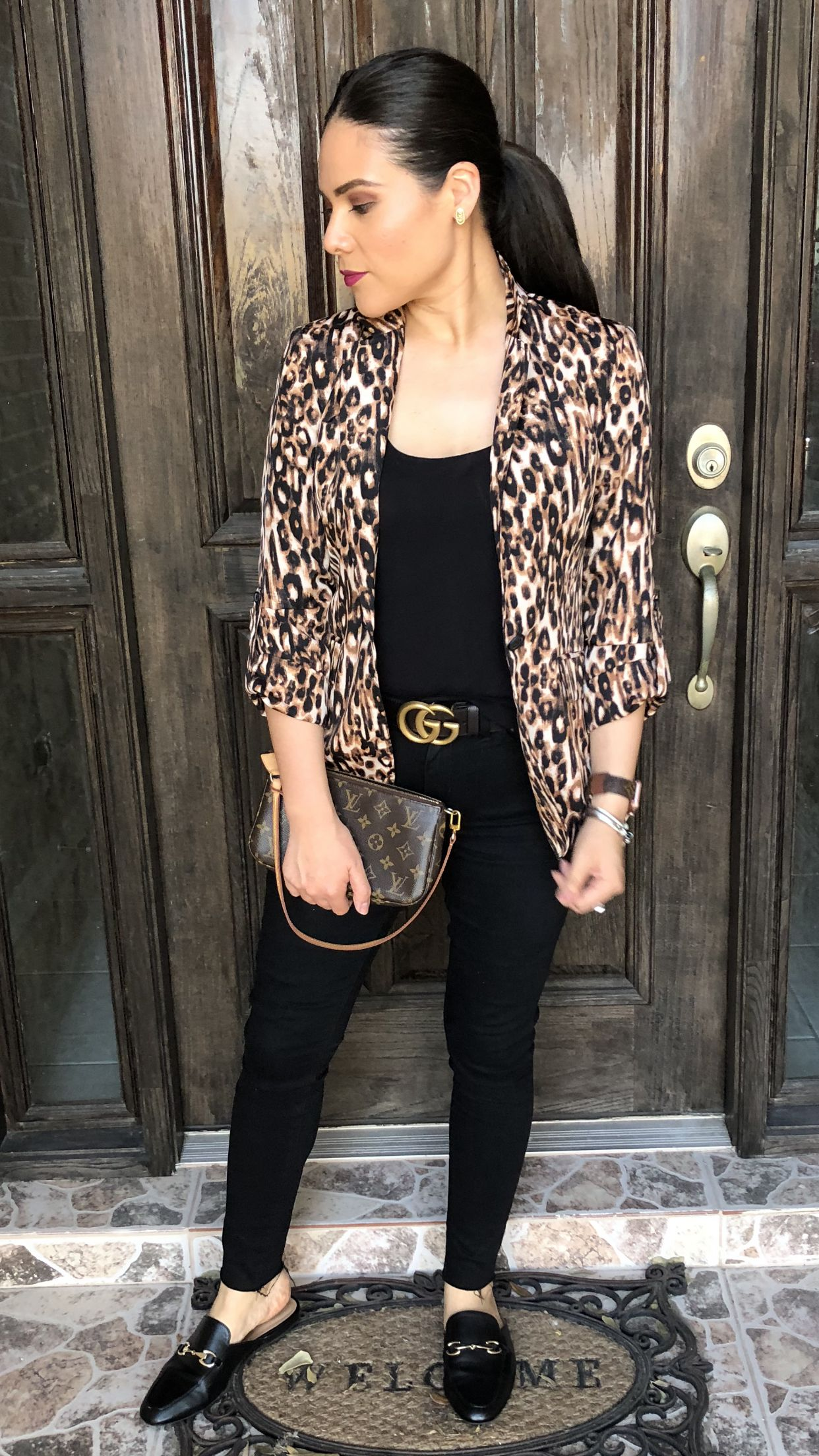 f1136cd2e7ff Fall outfit ideas leopard blazer jacket suit black skinny jeans Gucci belt  mules gold buckle Louis Vuitton monogram canvas bag mommy outfit style  Kendra ...