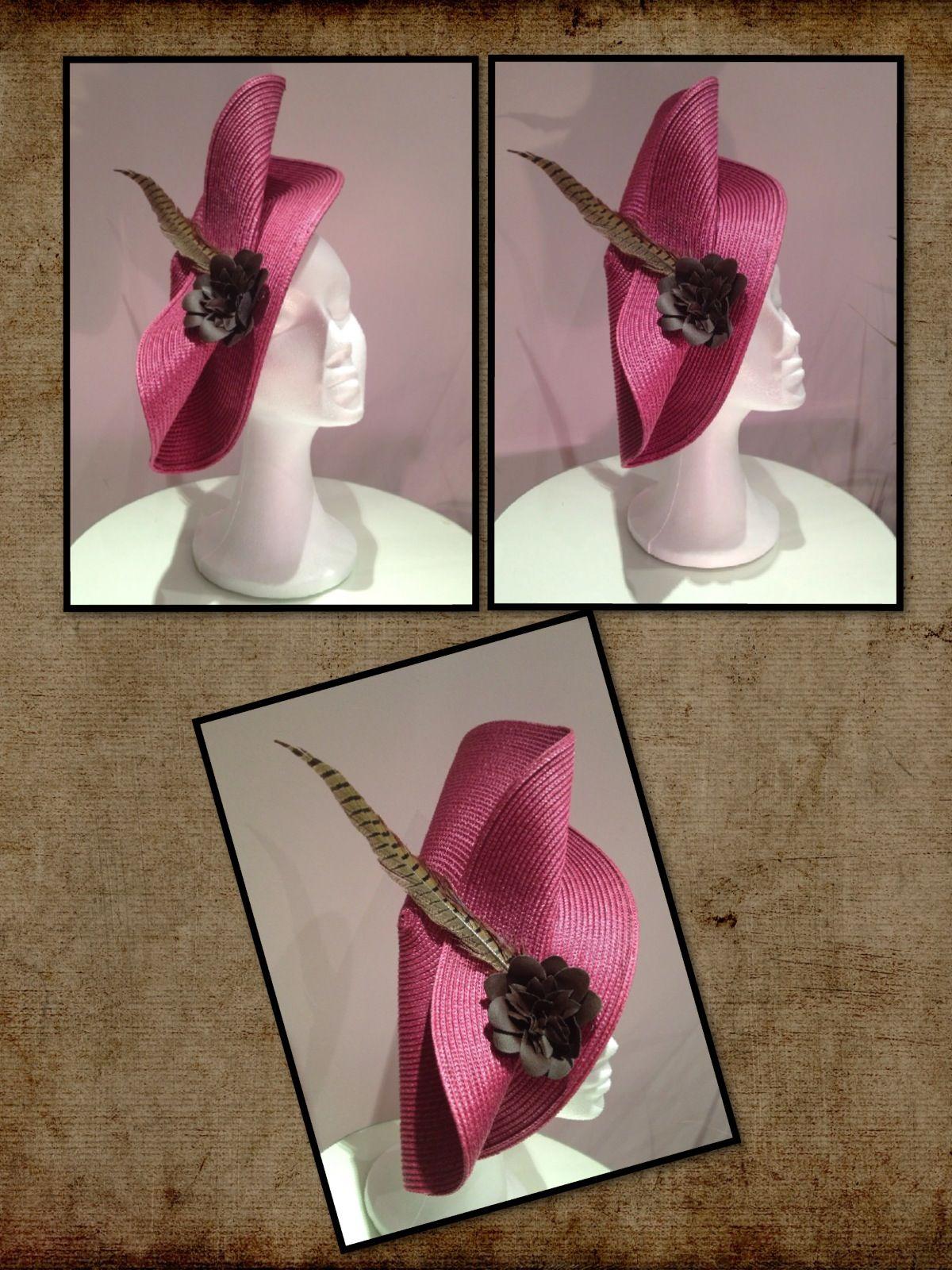 Maxi-tocado de 40cm en base parasisal rosa con composición de flor  chocolate en cuero 3b8e9eb9c8e