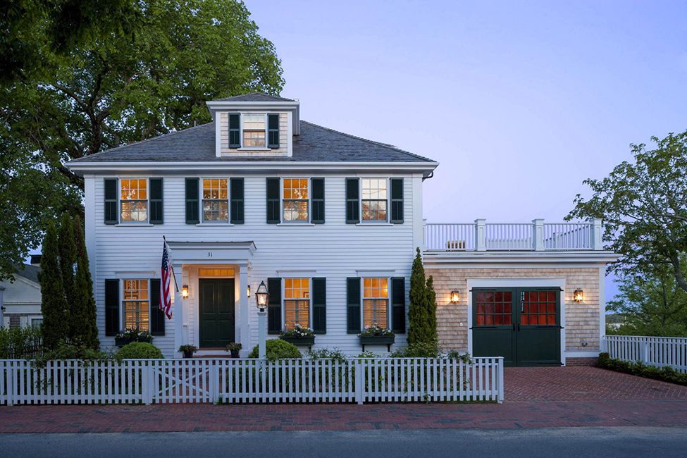 Colonial Style House Exuding Calmness By Patrick Ahearn Architect