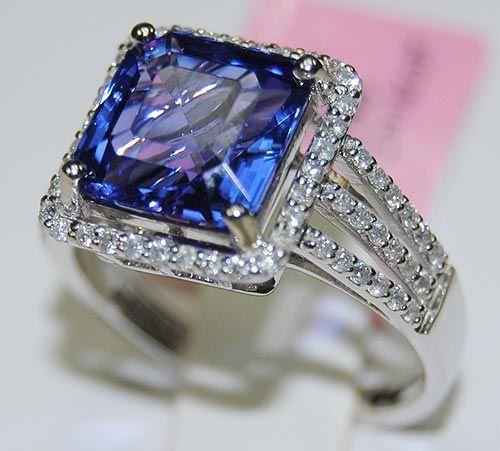 Item 441760022 (EXQUISITE TANZANITE & DIAMOND RING)