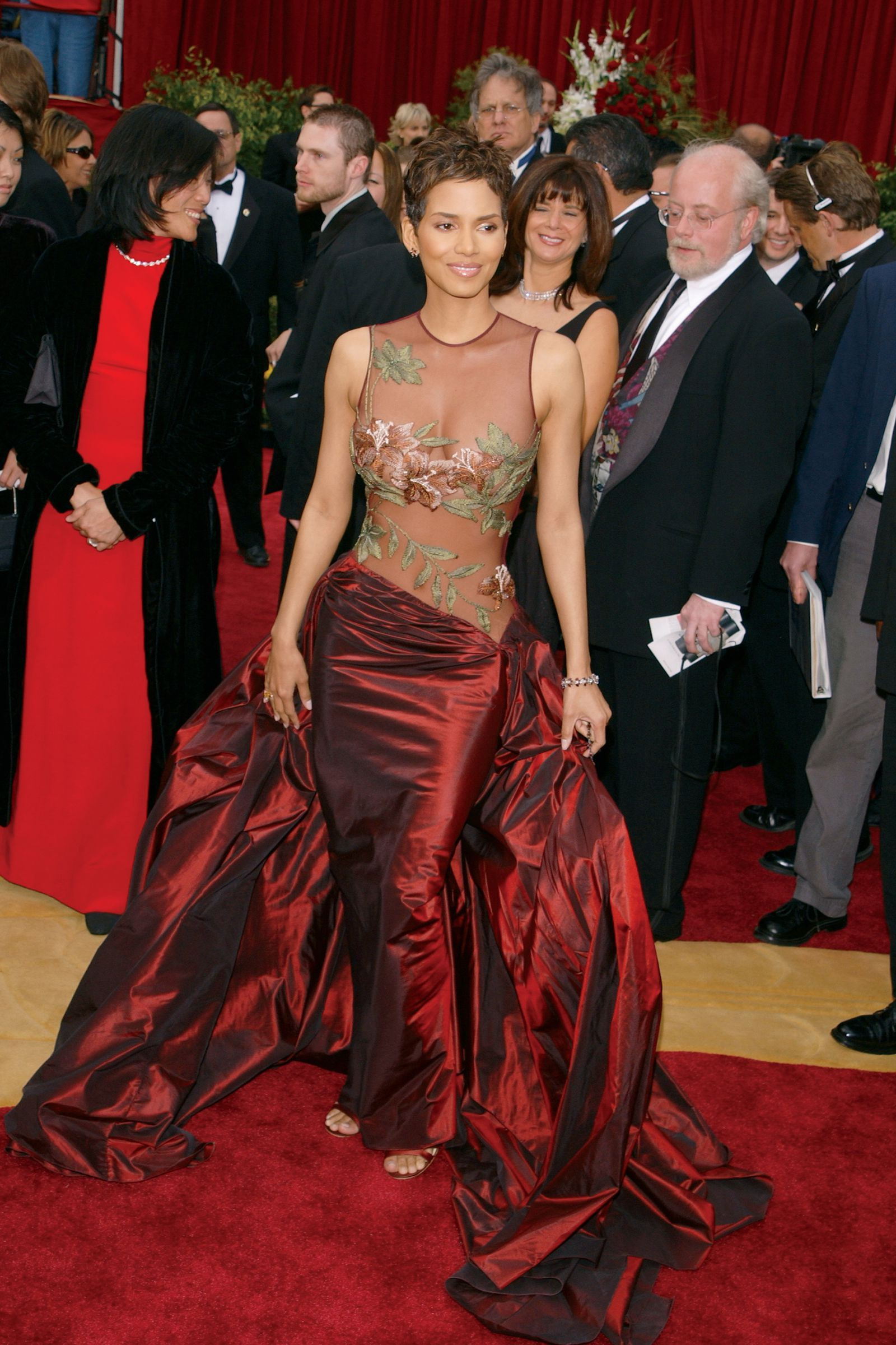 fee49d148e5 The Sexiest Oscar Dresses of All Time   Editorial ❤ +Style ...