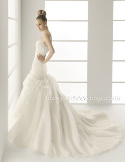 Sexy White Mermaid/Trumpet Strapless Garden/Outdoor Wedding Dress With Crystal