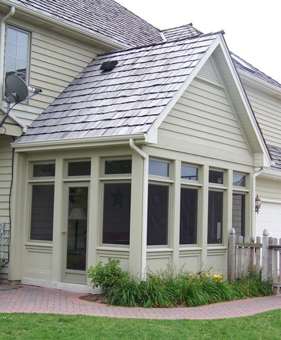 Build A New Porch That Can Be Enjoyed Throughout The Seasons Casco S Porch Enclosure System Gives The Versa Porch Enclosures Screened In Porch Windows Doors