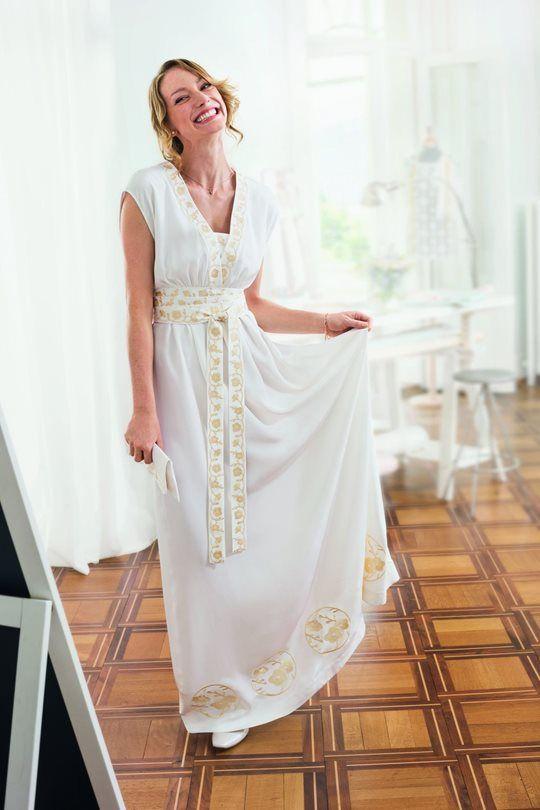 Bild: Hochzeitskleid mit japanischer Stickerei   Kostenlose ...