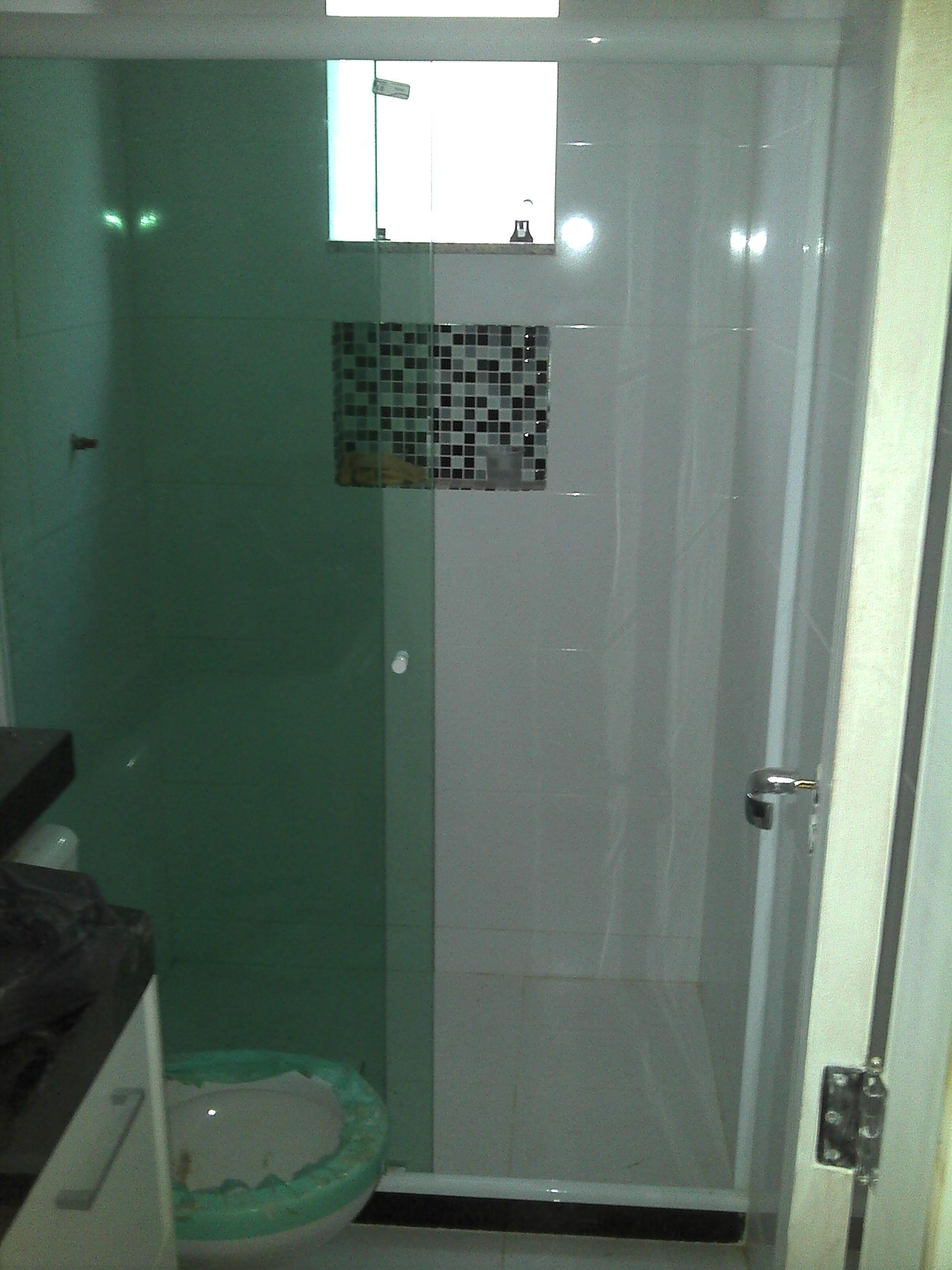 Kit Bancada Banheiro Vidro : Banheiro completo com nicho em pastilhas de vidro bancada