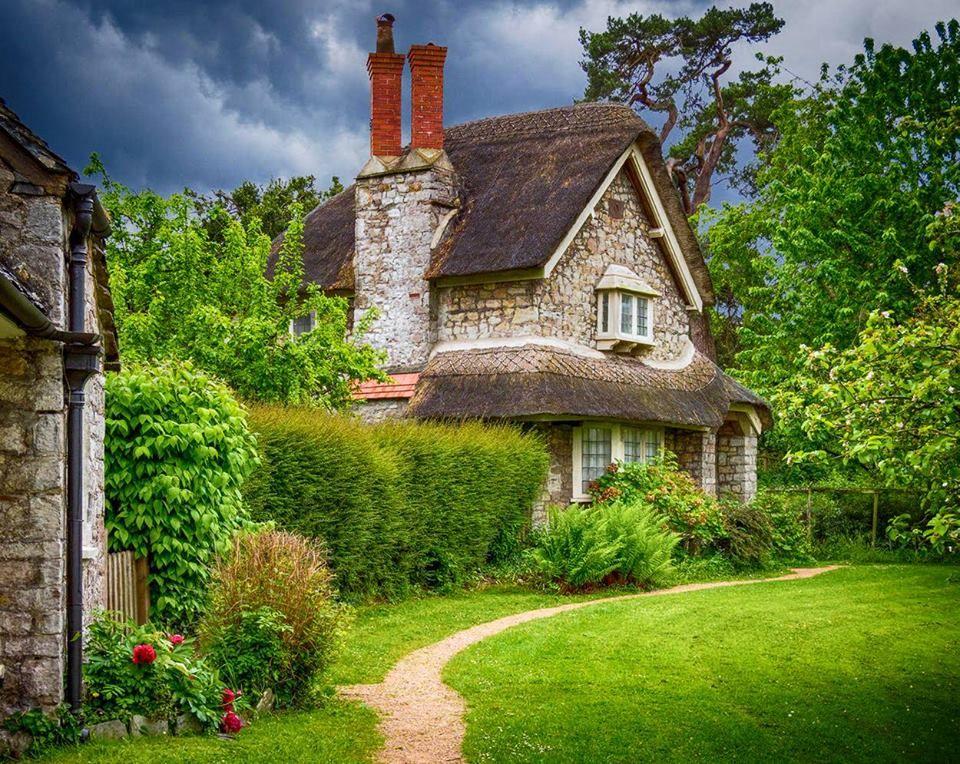 Cottage In Blaise Hamlet Bristol England England Countryside English Cottage Garden Castle Estate