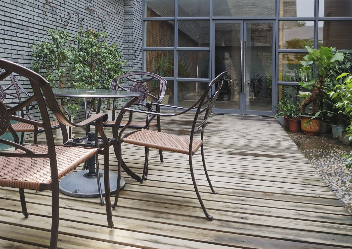 Summer Deck Cleaning Tips and Tricks Decorative grilles