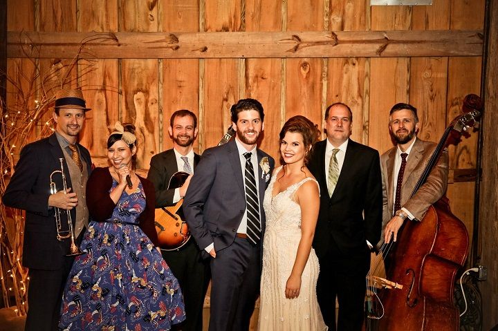 Live band at wedding reception | Navy Blue and Gray Rustic Literary-themed Wedding with DIY details | fabmood.com #navyblue #navybluewedding #weddingdecorations #literarywedding