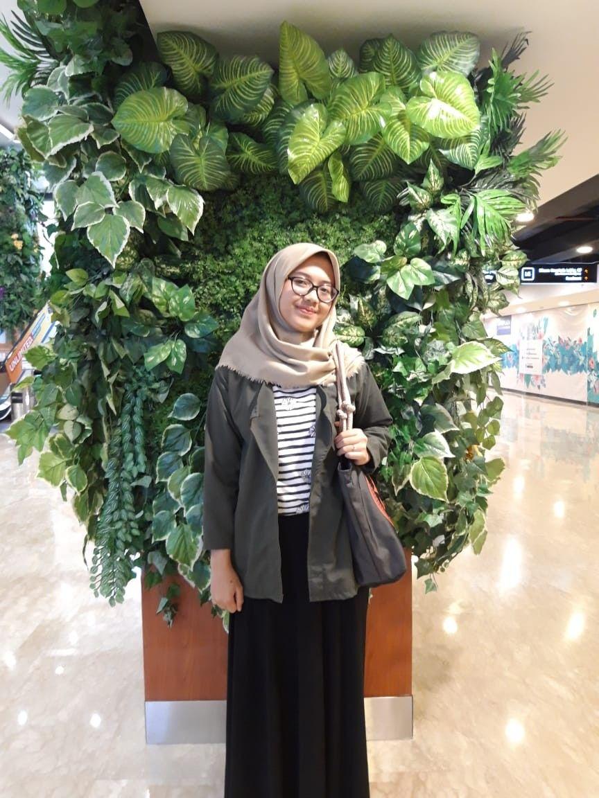 Baju Warna Army Cocok Dengan Jilbab Warna Apa