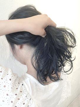 学校や職場の関係で髪が明るくできない人 でももっとヘアカラーは