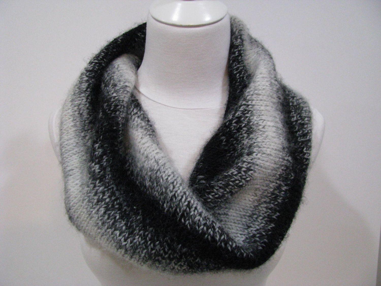 Knitted Scarf Pattern, Twisted Seamless Circular Tubular Scarf ...