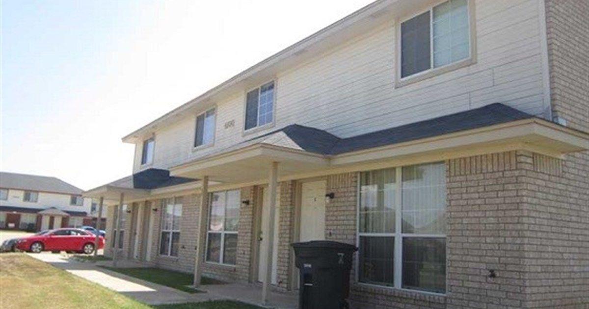 4100 Nadine Dr 2br Killeen Tx 76549 2 Beds 1 5 Baths 930 Sq Ft For More Information Contact Karen Doe Fort Hood Housing Renting A House Rental Property