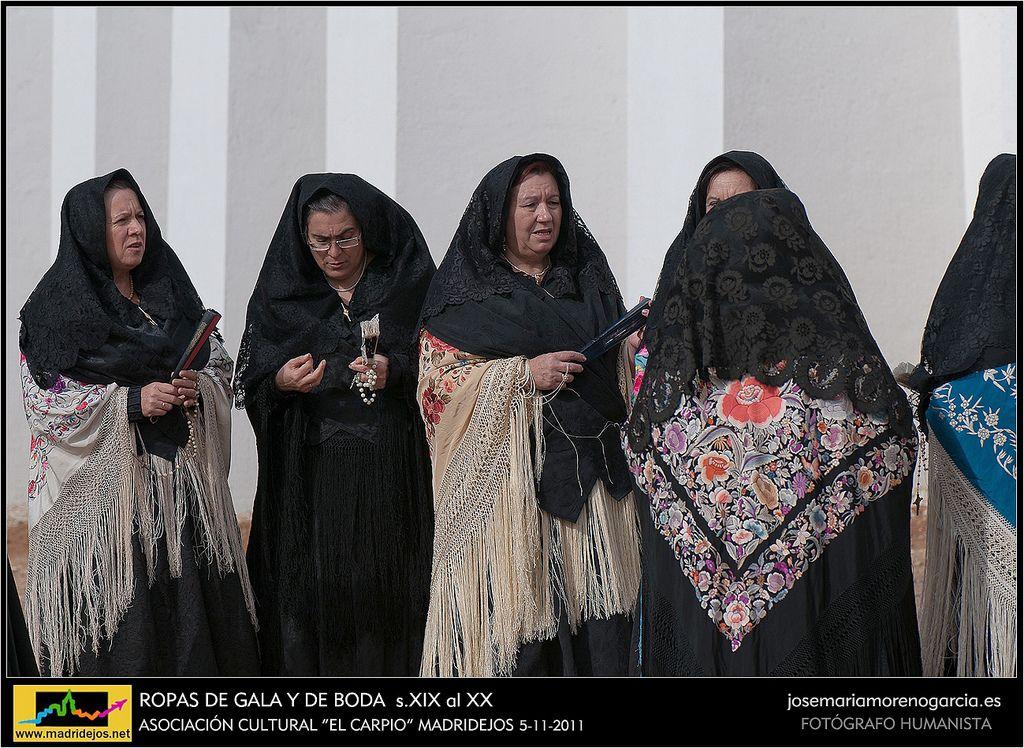 ROPAS DE GALA Y DE BODA s.XIX DE MADRIDEJOS