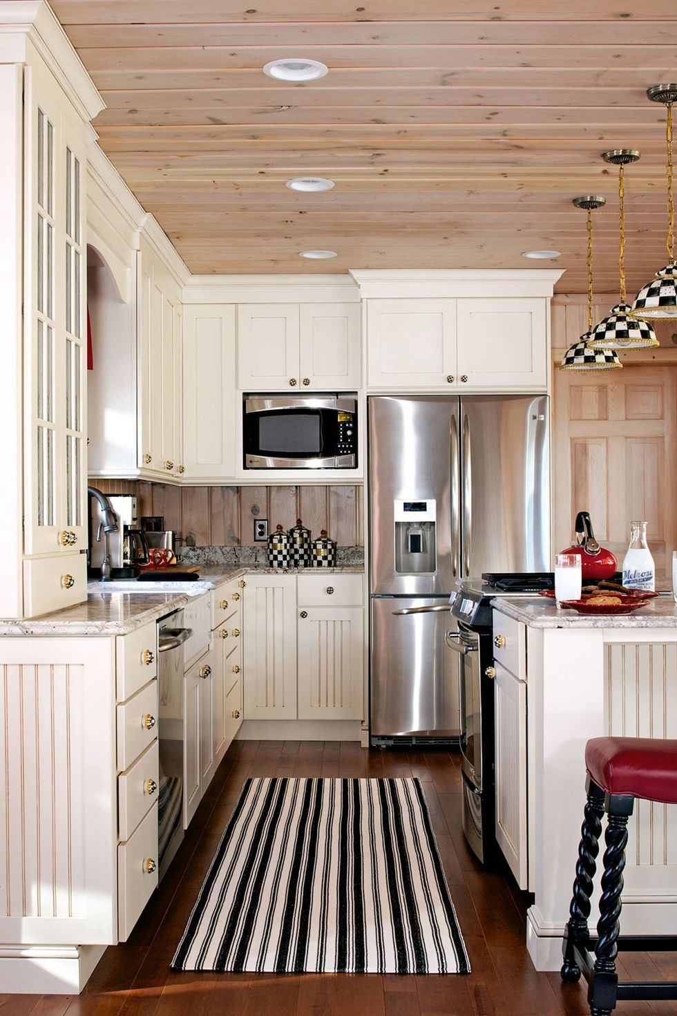 Cute & Cozy Kitchen Perfect Design For The Lake House.