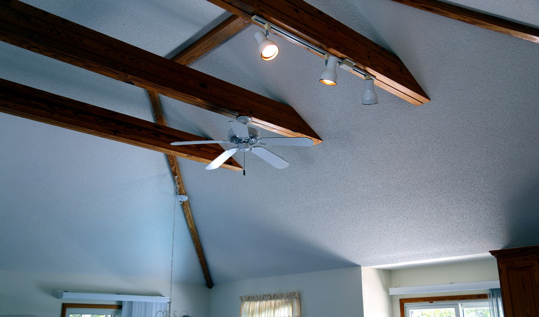 High Ceiling Fans can Save Money light up the room and cool you