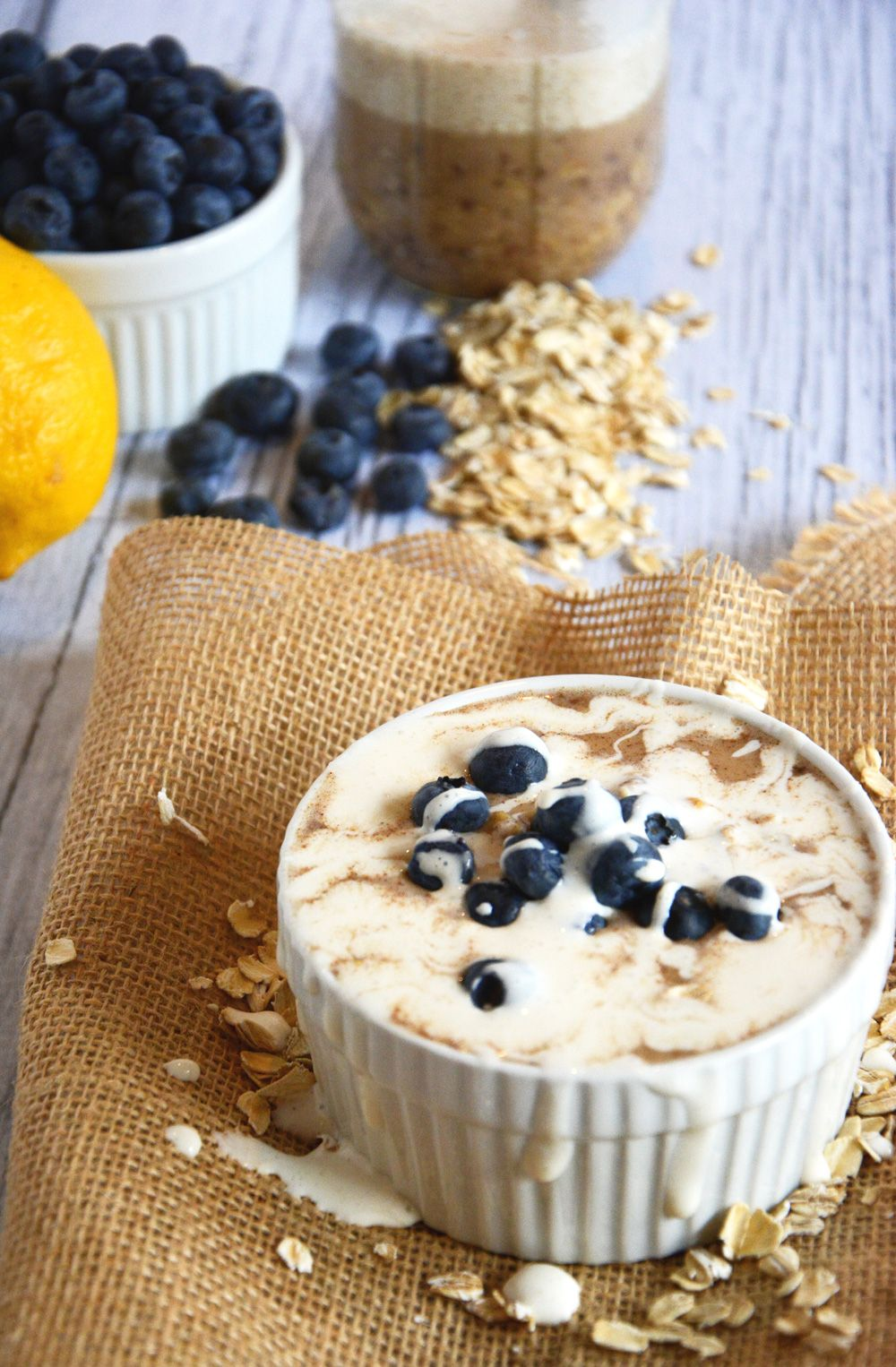 Overnight Blueberry Lemon Cheesecake Oats | The Housewife in Training Files
