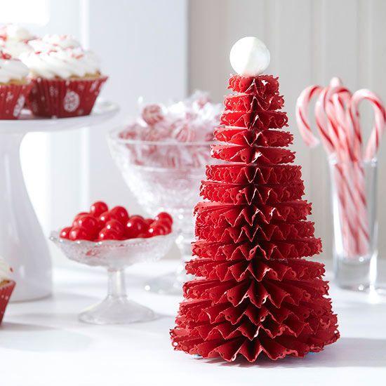 decoration de table pour noel sapin decoratif en papier rouge