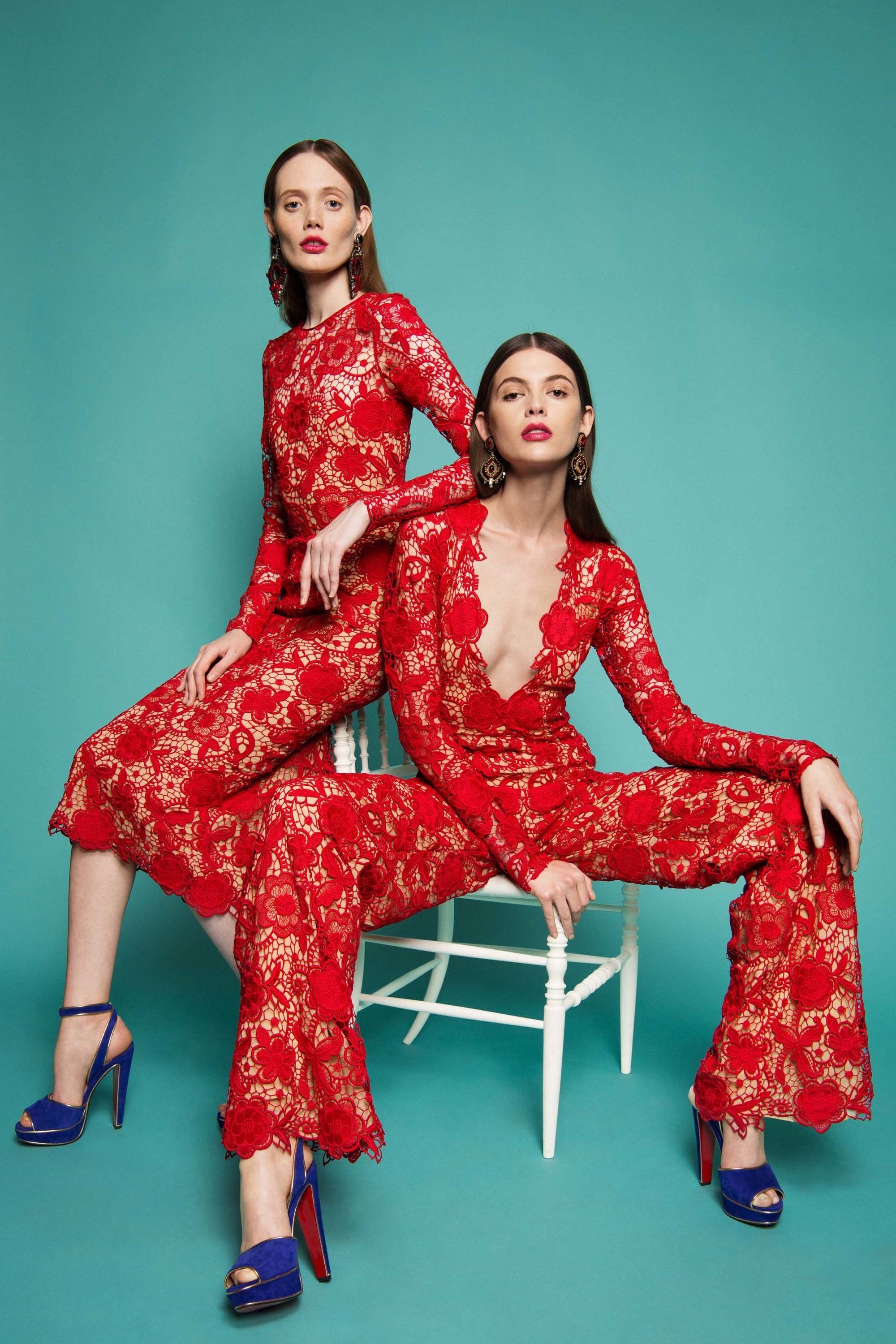 See the complete Naeem Khan Resort 2017 collection.