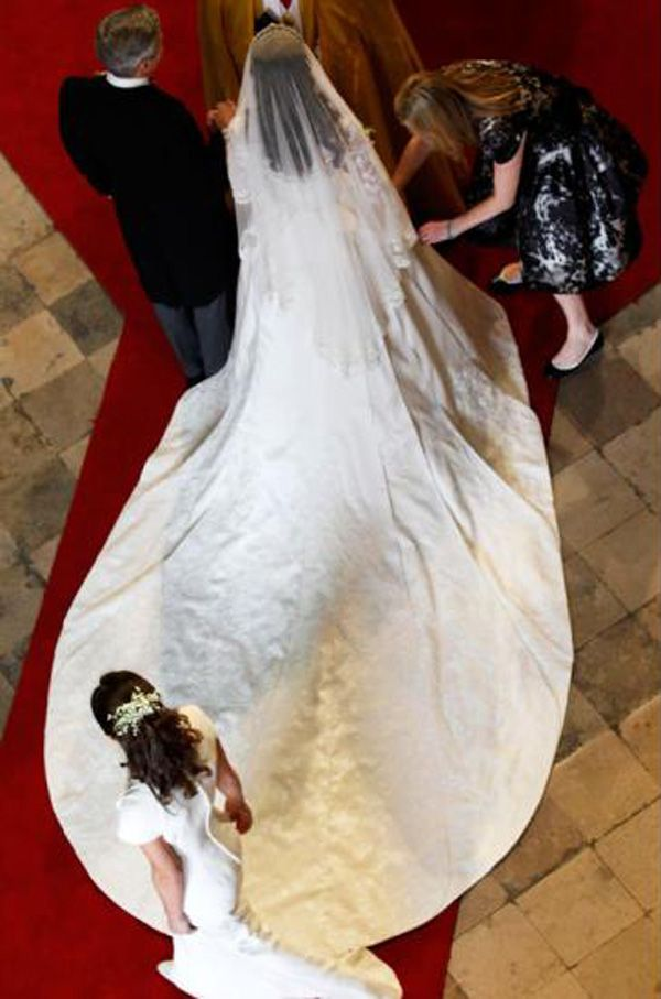 Look at Kate Middleton\'s Wedding Dress From Every Angle | Kate ...