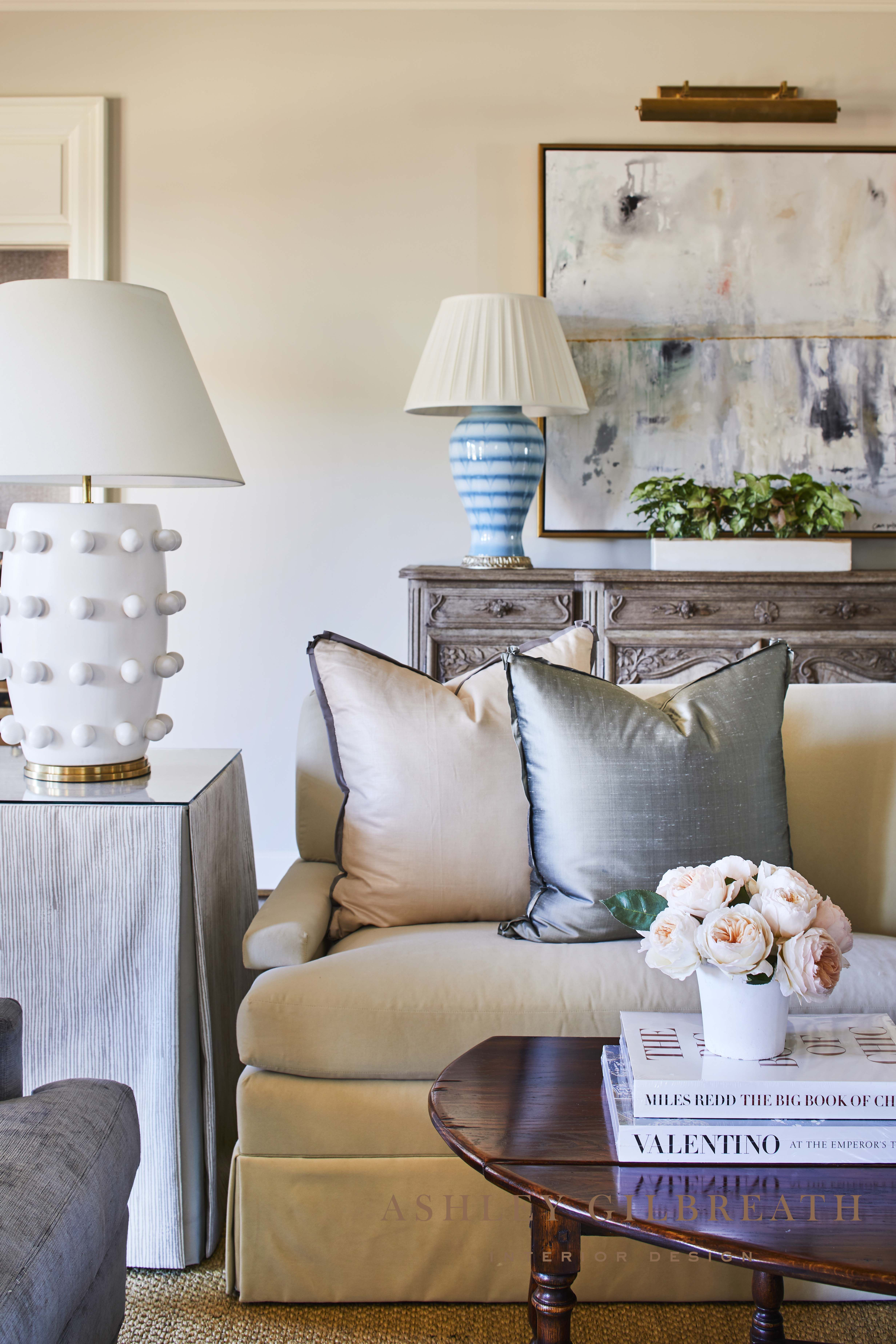 Ashley Gilbreath Interior Design All The Small Details Combined Together In A Living Room Living Room Decor Traditional Fresh Living Room Classic Living Room