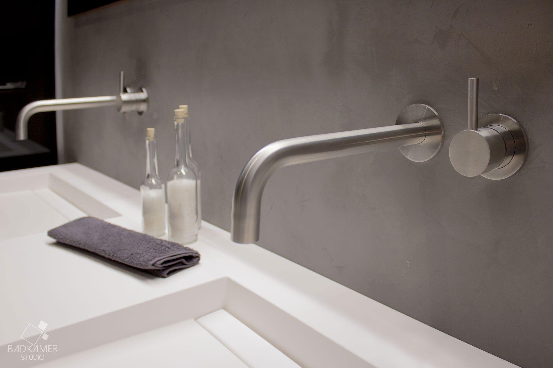 maatwerk badkamer met gebruik van micro beton beton cirà op de
