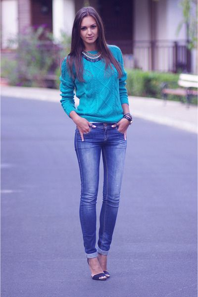 7c048a710f Navy-pull-bear-jeans-turquoise-blue-h-m-sweater-black-zara-heels 400 ...