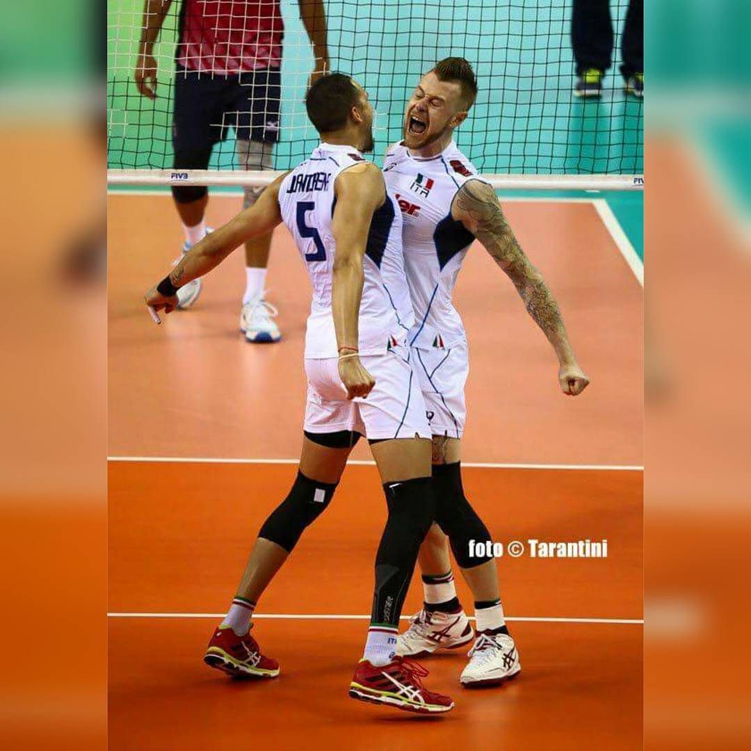 Quot Mi Piace Quot 52 Commenti 1 Ivan Zaytsev Lo Zar Del Volley Su Instagram Quot Osmanijp5 Zaytsev Of Volleyball Players Volley Volleyball Team