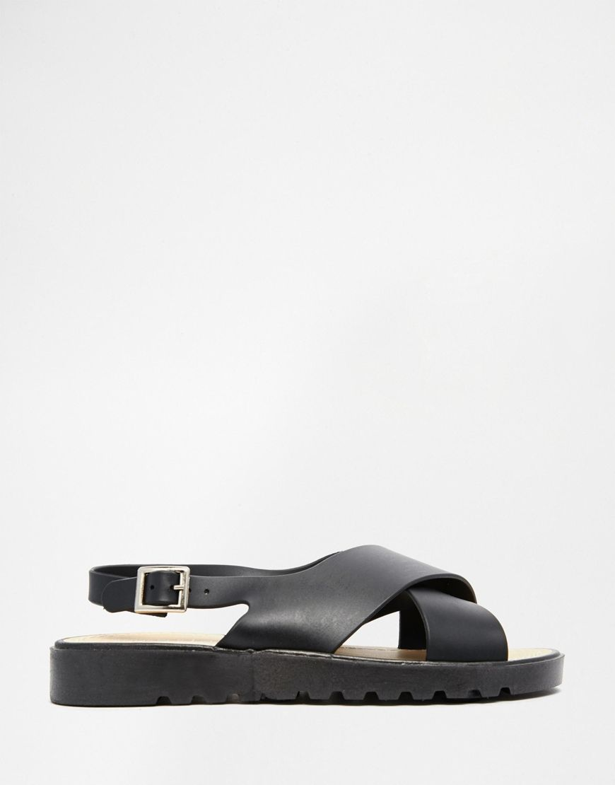Sandalias planas de goma con tiras cruzadas de Truffle Collection