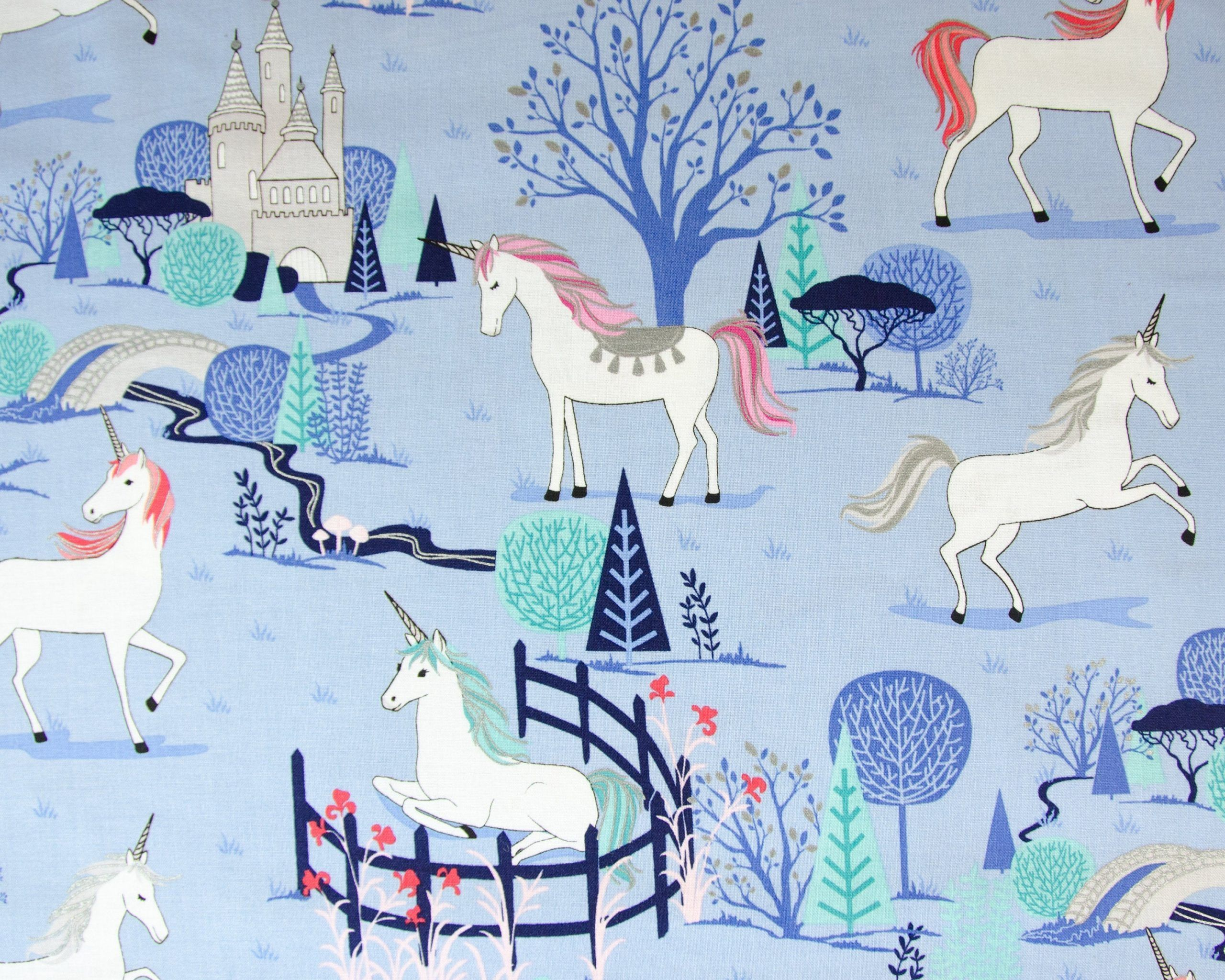 SALE*UNICORNS on MINT,100/% COTTON FABRIC,Sewing,Nursery and Animal Pattern,craft