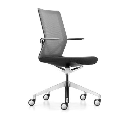 Linq conference swivel chair by Girsberger | Task chairs