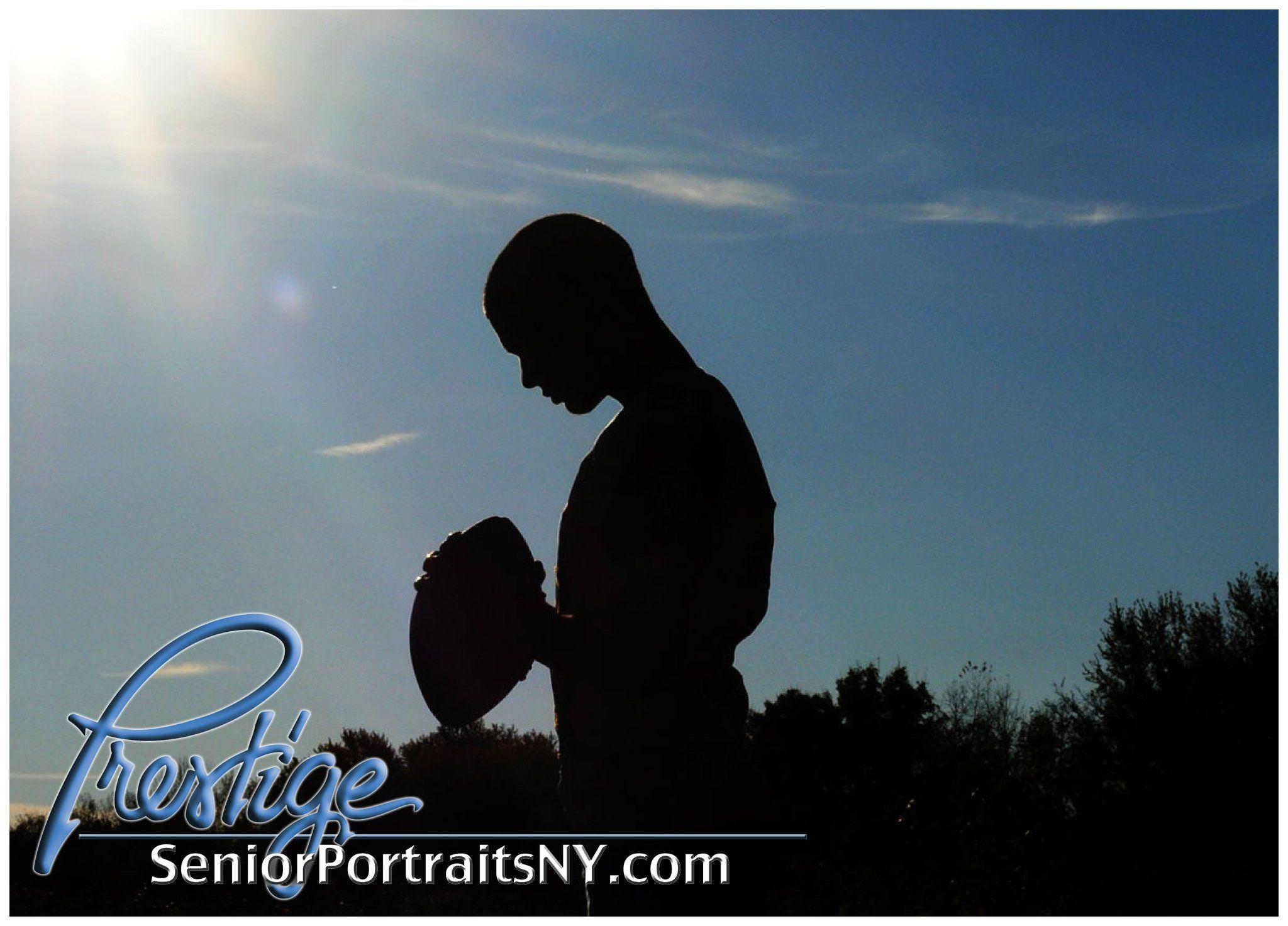 Love this silhouette of football player - Senior Portrait http://prestigeportraitsofvestal.com