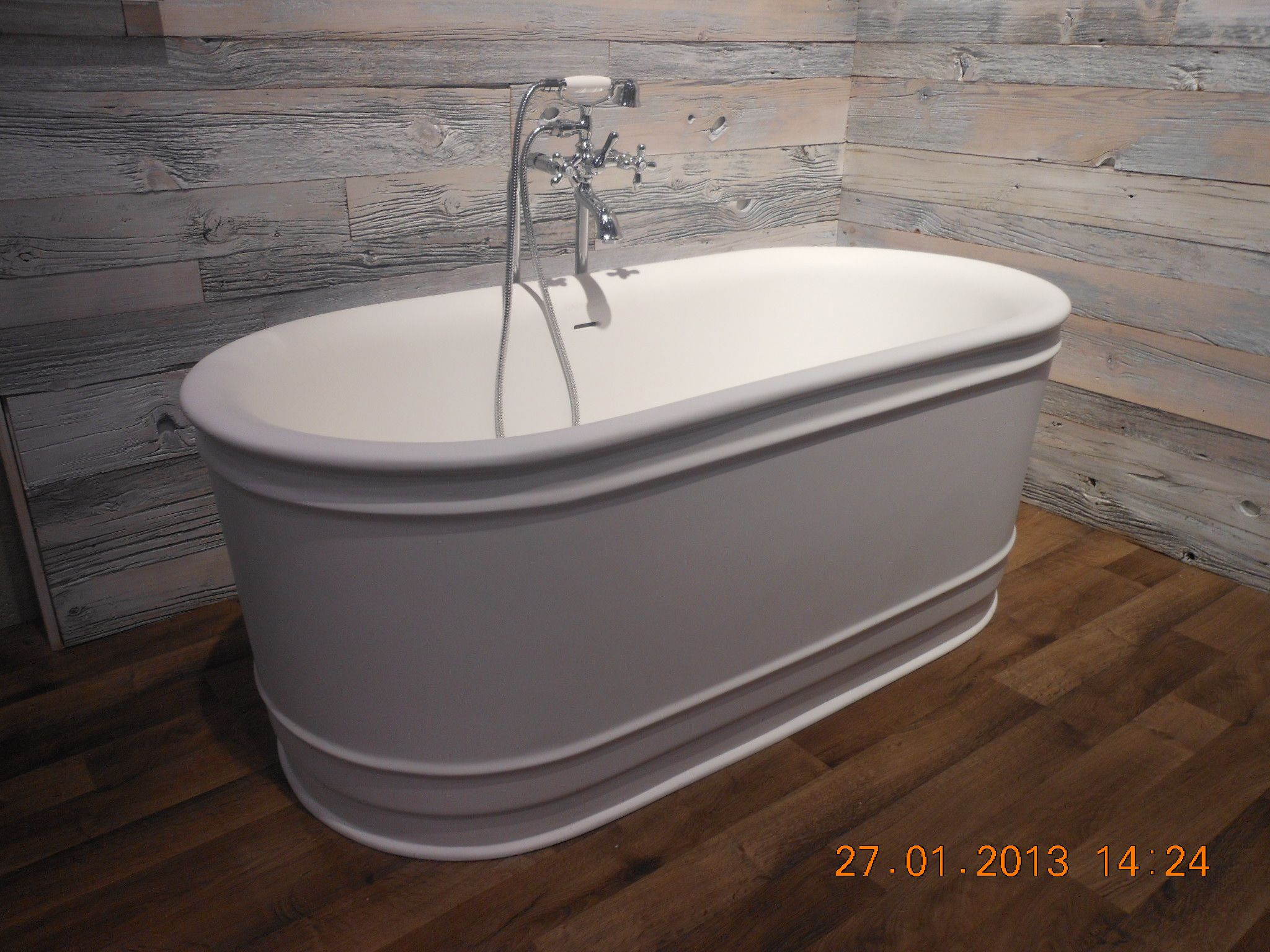 Extra Large Bathtub
