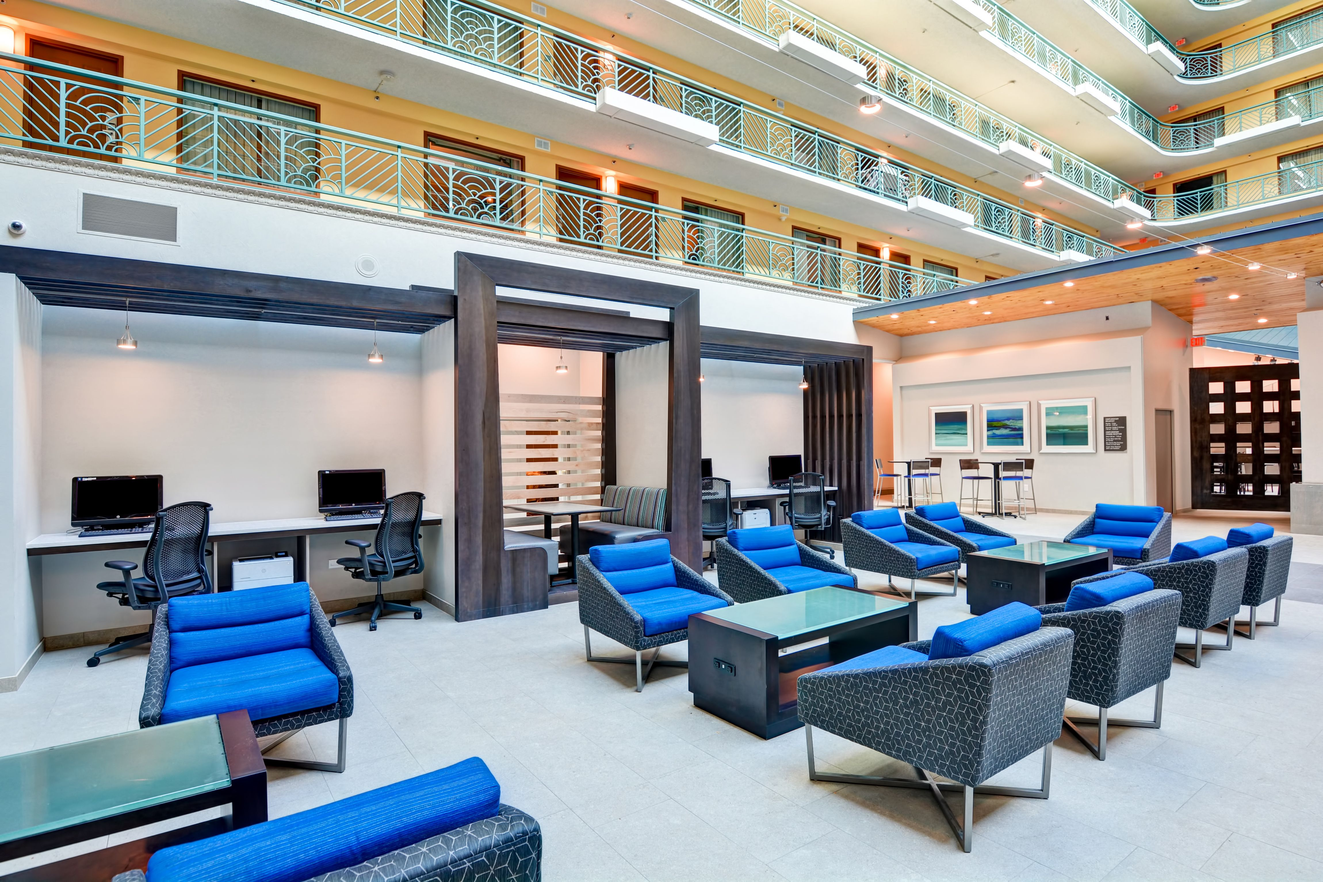 Connectivity Zone Hilton miami, Miami international