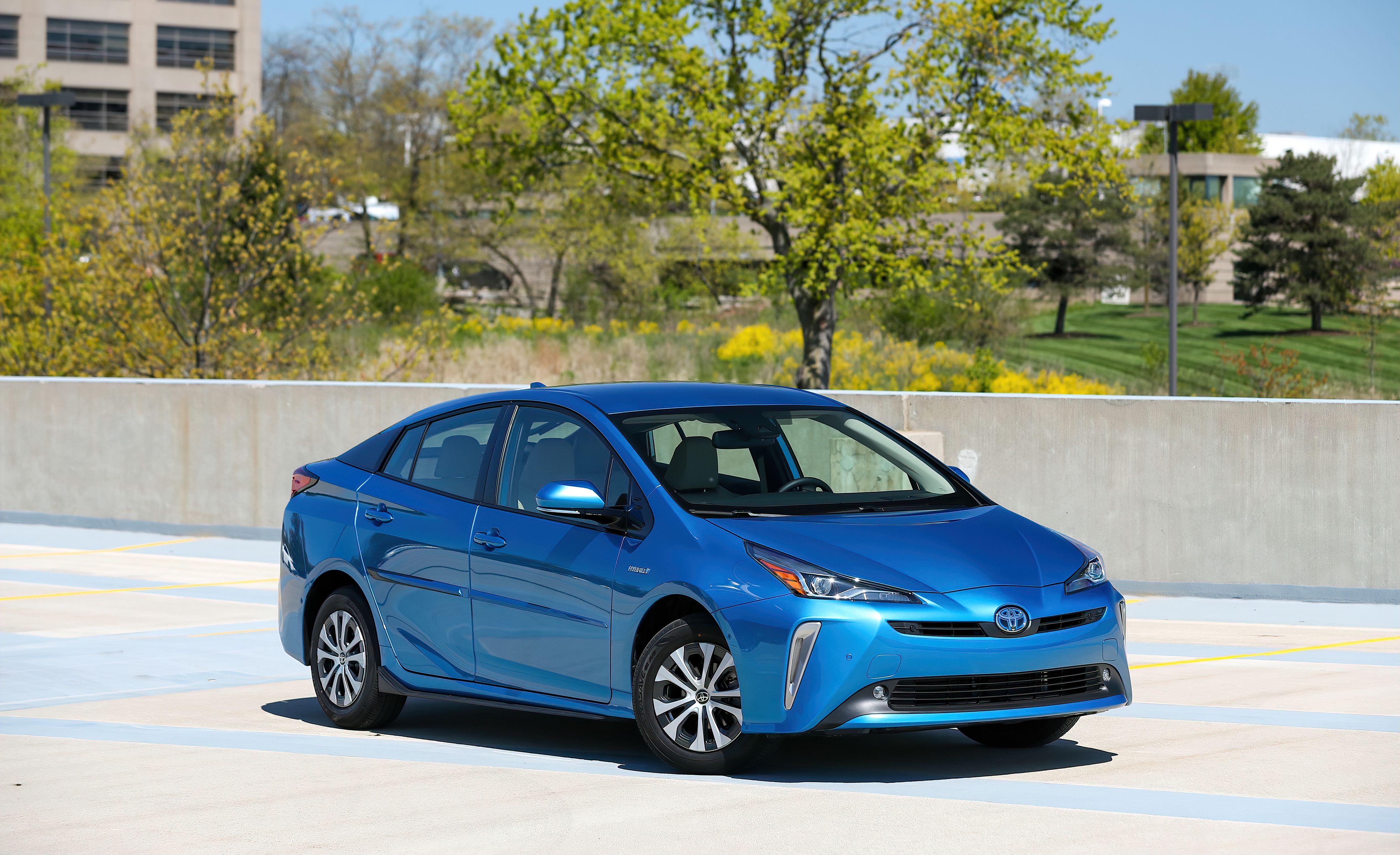 2020 Toyota Prius Gets Apple CarPlay and a Slight Price