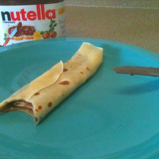 Hungarian palacsinta & Nutella! Shhh!