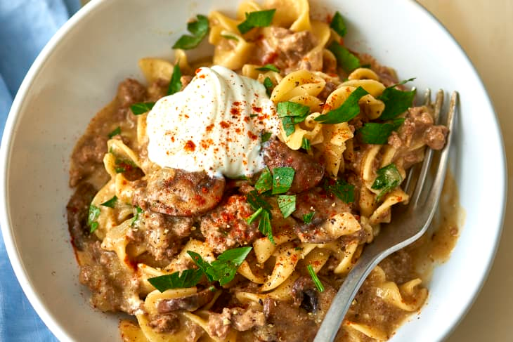 Recipe One Pot Weeknight Beef Stroganoff Recipe In 2020 Lean Beef Recipes Healthy Beef Recipes Ground Beef