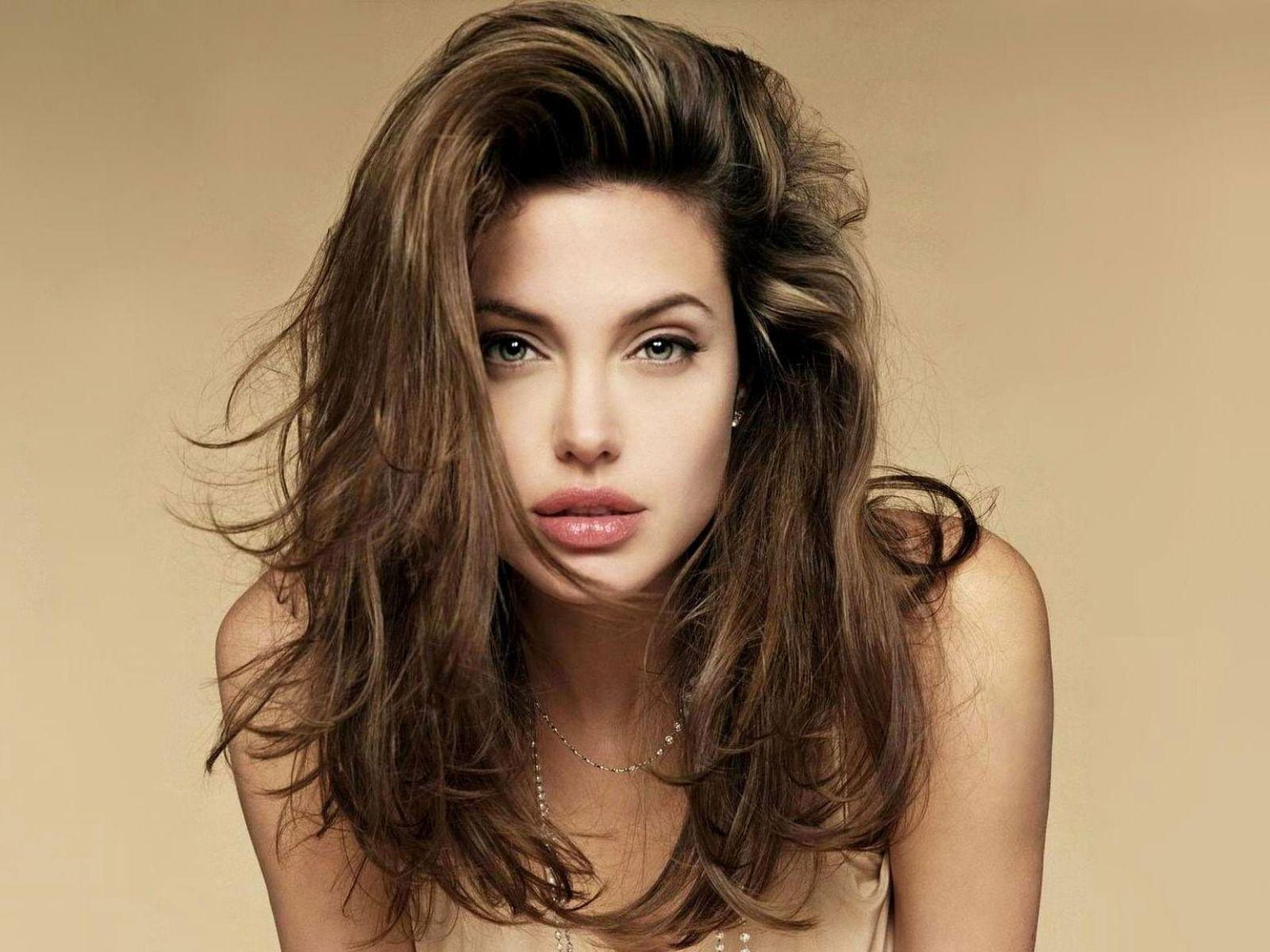 Angelina Jolie Hair Wallpaper Angelina Jolie Hair Messy Hairstyles Medium Hair Styles
