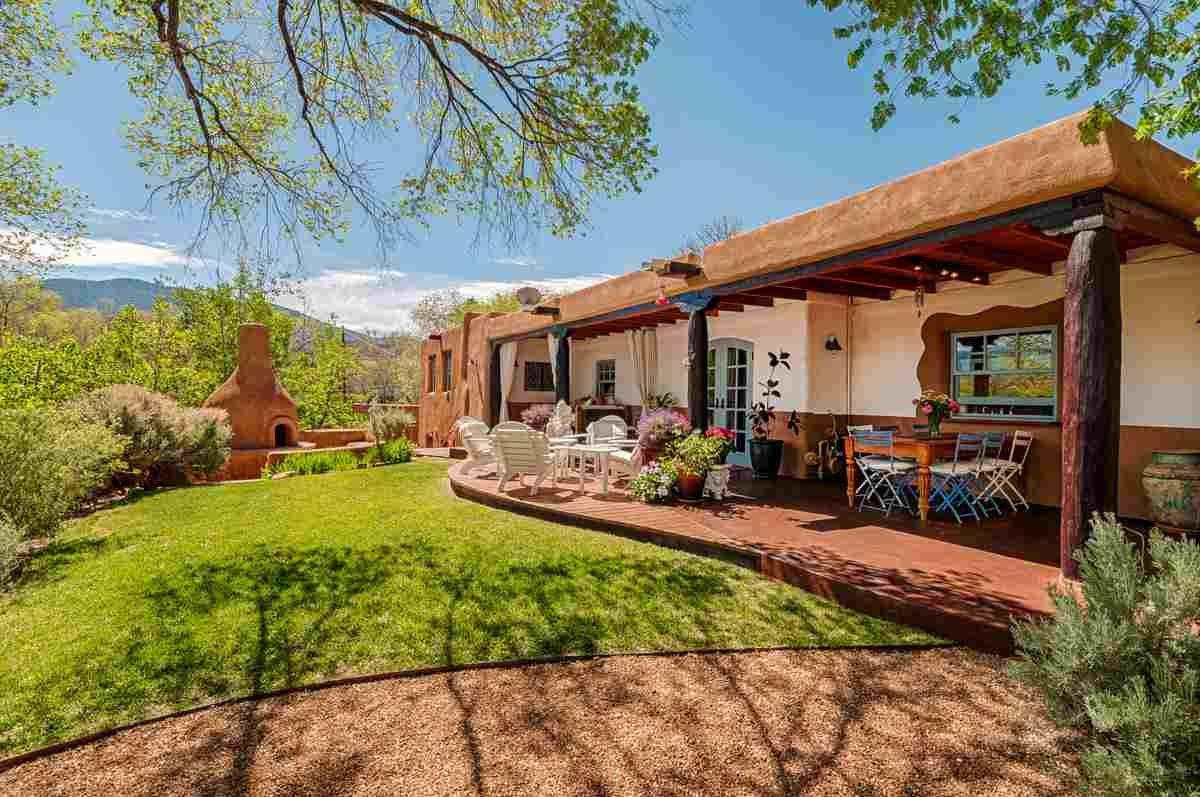 1170 B Camino San Acacio, Santa Fe, NM, 87505- MLS #201305867