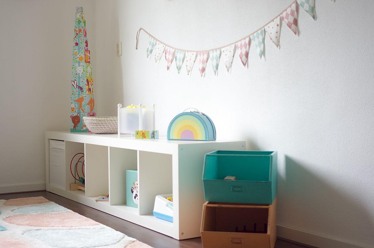 Ein Kinderzimmer in Pastell das Babyzimmer wird zum